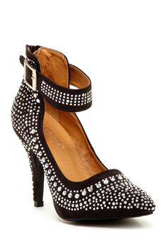 Ooohhh! Ankle strap beaded shoe