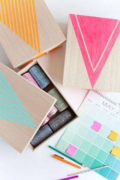 These bright, cheerful #DIY storage boxes are perfect for storing craft supplies, and the pattern possibilities are endless.