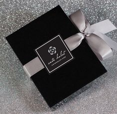 New Jewerly Packaging Diy Business Ideas Jewelry Packaging, Gift Packaging, Jewelry Branding, Packaging Design, Packaging Ideas, Creative Gift Wrapping, Creative Gifts, Gift Wraping, Packing Jewelry