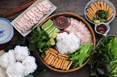 Bun Dau Mam Tom (or Vietnamese Noodle with Fried Tofu and Shrimp Paste) is one of the most well-loved dishes in Vietnam, originating in the capital Hanoi. Unlike others amazing Vietnamese food creations like Pho, Vietnamese Cuisine, Vietnamese Recipes, Asian Recipes, Healthy Recipes, Diet Recipes, Healthy Food, Low Carb Brasil, New Year's Food, Food Food