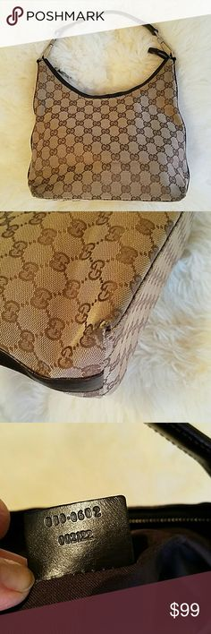 Authentic Gucci bag Good used condition . Clean inside and outside. Only minor since of wear on corners. Gucci Bags Hobos