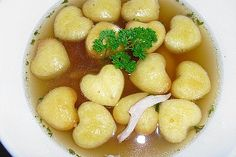Soup biscuit by kjuler A Food, Good Food, Food And Drink, Food Network Recipes, Cooking Recipes, Austrian Recipes, Daily Vitamins, Winter Soups, Le Diner