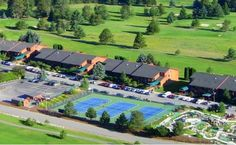 Stoneridge Resort Blanchard (Idaho) Featuring a beautiful 19-hole golf course, this Blanchard Valley resort is a 10-minute walk from Lake San Souci. Sports courts, a hot tub and an indoor saltwater pool are also available.