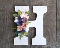 Monogram wall hanger, felt flowers, wood letter, nursery decor, little girl'. Nursery Letters, Diy Letters, Letter A Crafts, Monogram Wall, Letter Monogram, Free Monogram, Monogram Fonts, Letter Wall, Felt Flowers