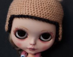 ON SALE!***** knitted hat in beige and black with felted animal ears for Blythe dolls by cocomicchi