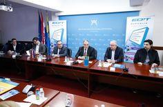 Ovih dana započeo je program besplatnih škola programiranja za učenike osnovnih i srednjih škola koje se odvijaju u sklopu projekta Edukacijskog IT centra Splitsko-dalmatinske županije - EDIT. On je p