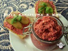 Miso-roasted vegetables spread.  http://donecoloco.wordpress.com/2014/08/08/pasta-kanapkowa-z-miso-i-warzywami/