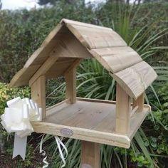 Resultado de imagem para luxury bird tables