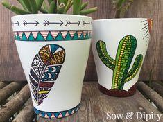 Cute Succulent Planter Idea's – - Cactus Ideen Painted Plant Pots, Painted Flower Pots, Flower Planters, Flower Pot Crafts, Clay Pot Crafts, Sharpie Art, Sharpie Projects, Sharpie Doodles, Cactus Pot