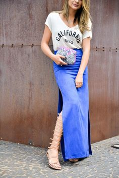 blogdathassia.com - Amazing brazilian fashion blogger: Thássia Naves. street style, fashion, shirt and maxi skirt - Linda de Morrer, clutch - Serpui Marie, gladiator sandals.