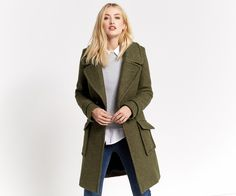 A real style classic, this cosy pea coat will conquer icy days and brisk winter breezes. So soft, snuggle down and enjoy a stylish Christmas. Winter Coats Women, Coats For Women, Jackets For Women, Oasis Uk, Real Style, Parka Coat, Classic Style, Duster Coat, Blazer