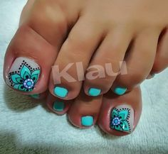 Love the green/aqua/teal nails w design - Fußnägel - Nail Art Ideas Pedicure Designs, Pedicure Nail Art, Toe Nail Designs, Cute Toenail Designs, Pretty Toe Nails, Cute Toe Nails, Toe Nail Color, Toe Nail Art, Toe Nail Polish