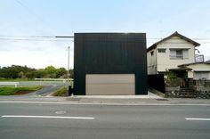 hiromasa mori + yosuke takatsuka build residence next to historical site in japan