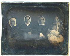 C1850 Half Plate Daguerreotype Five Women Smith Family 4 Generations Vermont | eBay