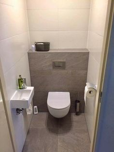 Badezimmer Toilet☆☆ Is Teak Wood Outdoor Furniture Right For Me? Small Downstairs Toilet, Small Toilet Room, Small Space Bathroom, Downstairs Bathroom, Bathroom Design Small, Toilet Tiles Design, Wc Design, Bathroom Under Stairs, Modern Toilet
