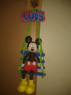 mickey mouse colgante