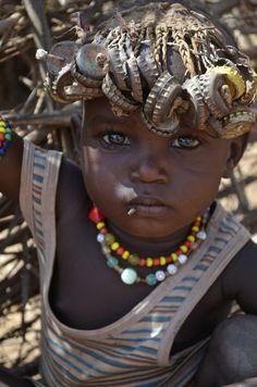 Africa | Dassanech girl. Omo Valley, Ethiopia | ©Carla Pieters