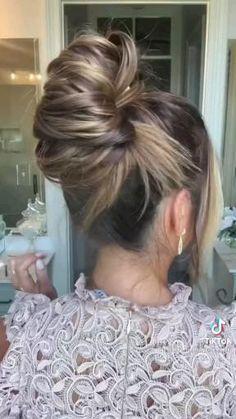 Bun Updo, Hair Dos, Hair Designs, Hair Hacks, Updos, Braided Hairstyles, Brows, Hair Makeup, Hair Beauty