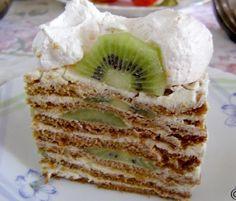 Cake «Honey» with kiwi.