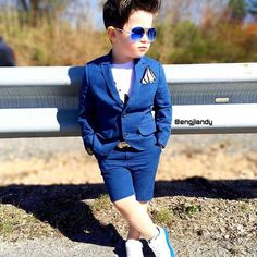 color blue outfit makes it perfect Teenage Boy Fashion, Boys New Fashion, Toddler Boy Fashion, Little Boy Fashion, Little Boy Outfits, Baby Boy Outfits, Outfits Niños, Kids Outfits, Baby Boy Dress