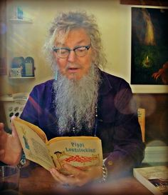 Outlaw poet Ron Whitehead talks about the Blues & Jazz, his poetry, Hunter S. Thompson and the Beats - Blues.Gr  My work used on blues.gr to accompany article on poet Ron Whitehead. Photographs by Jinn; Creative Commons Attribution-NonCommercial-NoDerivs 2.5. Prints of my work are for sale at reasonable prices (custom order) or you can buy pre-made pieces or order custom pieces on Etsy: https://www.etsy.com/shop/TranceMission