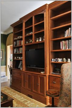 Custom Traditional Built-in Bookshelves