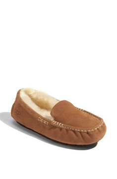 With Albany cold winters who doesn't want these cozy slippers on their feet! http://ugg4you.at.vc