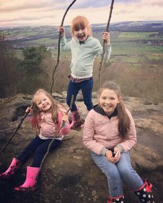 The Ingham Family (@inghamfamily) Instagram photo 2017-03-12 15:52:59 #inghamsisters #inghamfamilyoffive #inghamfamily #sundaywalk #familytime Family Of Five, Foto Shoot, Photo Boards, Family Matters, Cute Photos, Youtubers, Girl Stuff, Britain, Eye Makeup