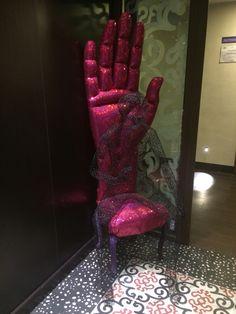 """La mano sedia del pensatore""."