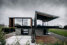 This Wales House is a Very Elegant Piece of Architecture