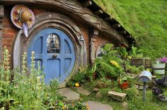 Smial in Hobbiton 01 by vigshane -- I'd love to live in a nice comfy smial
