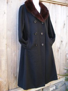 STUNNING 1950s Fall Winter Coat In Black With by VintageEclectica, $375.00