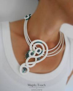 One of a kind soutache necklace. From collection 'Box of Chocolates'. Fabric Jewelry, Jewelry Art, Jewelry Design, Fashion Jewelry, Soutache Pendant, Soutache Necklace, Gold Bridal Earrings, Bridal Jewelry, Shibori