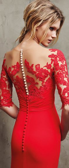 Absolutely stunning back! #dress #prom #couture #fashion #red #haute #girl #woman