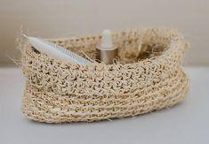 namesiac / malý košík zo sisalového vlákna