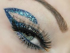 Check out this look by Visit site to reveal the products she used How To Do Eyeliner, Simple Eyeliner, Waterline Eye Liner, Space Fashion, Eye Liner Tricks, Fake Eyelashes, Glitter Eyeliner, Editorial, Metallic