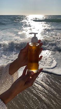 Hydrating Serum, Essential Oil Perfume, Sagging Skin, Best Beauty Tips, Skin Firming, Smell Good, Body Scrub, Body Lotion, Skin Care