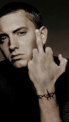 My favorite face. Freddie Mecury, Eminem Wallpapers, Eminem Rap, Eminem Music, Rap Music, Eminem Photos, The Real Slim Shady, Eminem Slim Shady, Z Cam