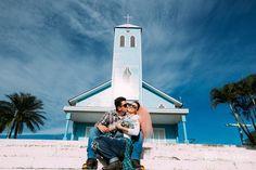 Bom dia sexta feira! Amanhã tem noiva  mais feliz ainda  #chegandoodia #twosistersfotografia #casamento #blogdanoiva #noiva #bride #wedding #igreja #prewedding #precasamento #felicidade #happiness #noivos #ceuazul #janarobergefotografia #ninerobergefotografia #amor #love #casal #couple