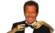 Garry Shandling, groundbreaking comedian and actor, dies aged 66 | Television & radio | The Guardian