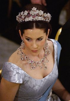 The ruby parure tiara was created for Queen Desiree of Sweden. Crown Prince Frederik's wife, Crown Princess Mary of Denmark, now owns the tiara. Crown Royal, Royal Crowns, Royal Tiaras, Tiaras And Crowns, Crown Princess Mary, Prince And Princess, Princesa Mary, Royal Jewelry, Ruby Jewelry