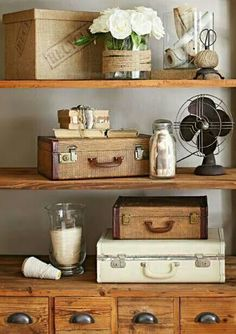 Recycled storage: Hard-sided suitcases store files on a shelving unit. More deco. Recycled storage: Hard-sided suitcases store files on a shelving unit. More decorating ideas for vintage finds: www. Shabby Chic Farmhouse, Shabby Chic Homes, Shabby Chic Decor, Farmhouse Decor, Farmhouse Ideas, Modern Farmhouse, Rustic Decor, Retro Home Decor, Home Decor Styles