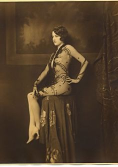 Les filles des Ziegfeld Follies dans les années 1920                                                                                                                                                                                 Plus