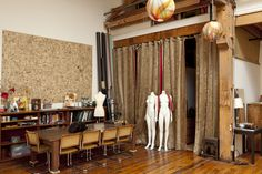 1800 sq ft studio - beautiful daylight / hardwood floors
