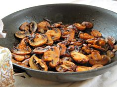 Steakhouse Mushrooms are an easy side for steak or maybe for roasted chicken. You're going to love this simple, scrumptious recipe with a few twists for the best Steakhouse Mushrooms. Steak And Mushrooms, How To Cook Mushrooms, Roasted Mushrooms, Stuffed Mushrooms, Stuffed Peppers, Keto Mushrooms, Mushrooms Recipes, Wild Mushrooms, Side Dishes