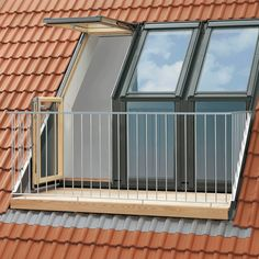 Create a stunning feature in your home with the high quality, natural pine VELUX Roof Terrace. The VELUX Roof Terrace is made of high quality natural pine with a clear lacquer finish and would be an… Roof Balcony, Balcony Window, Roof Window, Attic Window, Tiny Balcony, Window Planters, Attic Loft, Loft Room, Attic Rooms