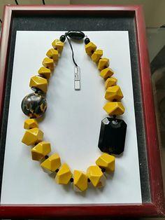 Angela Caputi Yellow and Black Necklace Diy Jewelry Necklace, Mom Jewelry, Chunky Jewelry, Handmade Beaded Jewelry, Beaded Jewelry Patterns, Necklace Designs, Jewelry Art, Black Necklace, Beaded Necklace