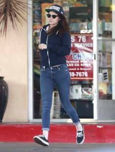 Kristen in LA  12-06-2013