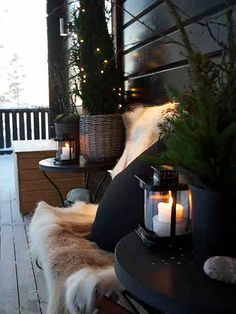 terrassengestaltung bilder wintergarten einrichten You are in the right place about patio roof Here we offer you the most beautiful pictures about the patio con encanto you are looking for. Winter Porch, Winter Garden, Cozy Winter, Winter Snow, Outdoor Spaces, Outdoor Living, Outdoor Decor, Rustic Outdoor, Outdoor Candles