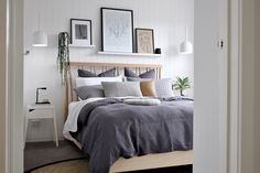 House call: Visit the plant-filled, Scandi inspired home of Haus of Cruze House call: Visit the plant-filled, Scandi inspired home of Haus of Cruze. Picture shelf above bed to rest artwork, stylish bedroom, coastal Scandi style bedroom Scandi Bedroom, Scandi Home, Home Bedroom, Bedroom Decor, Scandi Style, Bedroom Ideas, Bedrooms, Shelving Above Bed, Shelf Above Bed